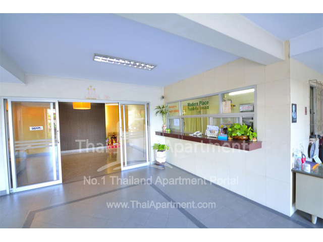 Modern Place Apartment image 5