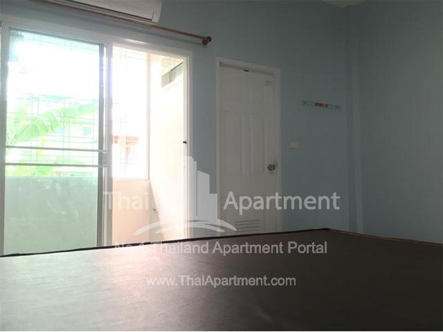 PP Apartment image 5