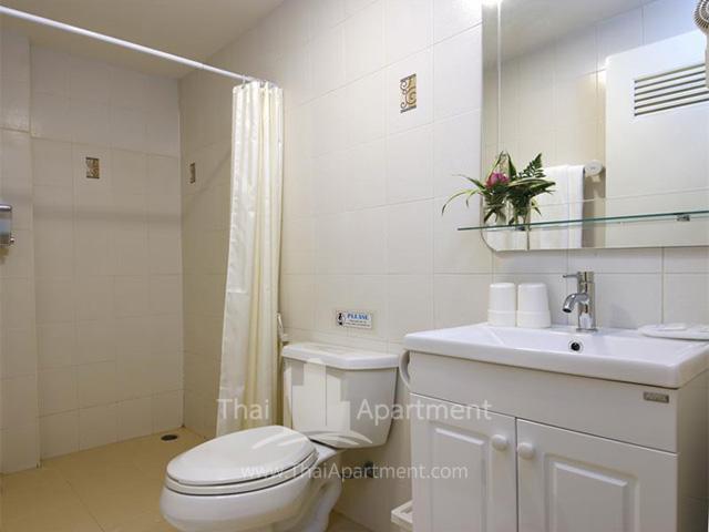 Ratchadamnoen Residence image 9