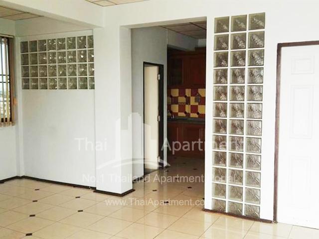 Chonlada House image 4