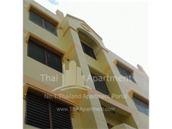 Golden House apartment image 2