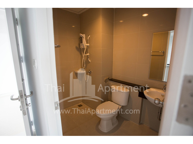 Des Res Serviced  Apartment  image 4