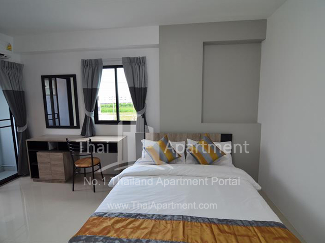 Salinsiri Apartment image 10