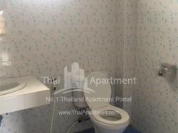 Sirinut Apartment image 2