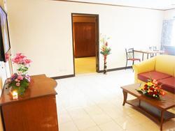Witchuwan Apartel image 3