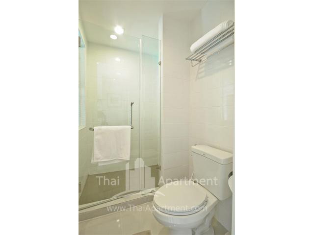 Park Saladaeng Serviced Apartments image 7