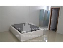 Suwimon Apartment image 2