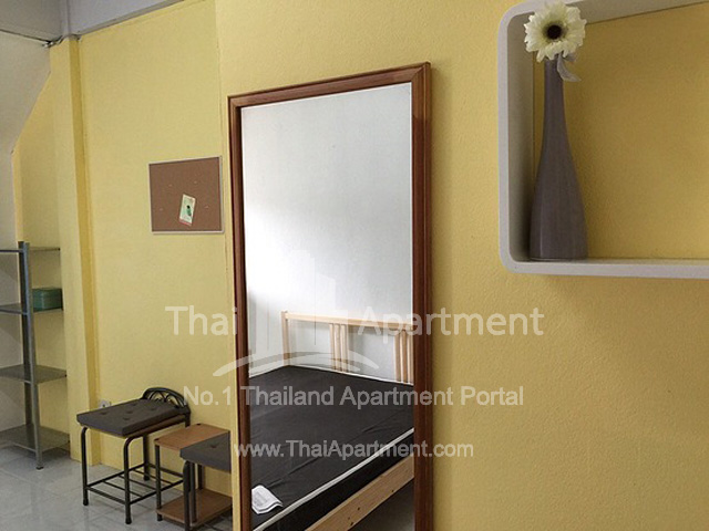 Lotus House Apartment image 4