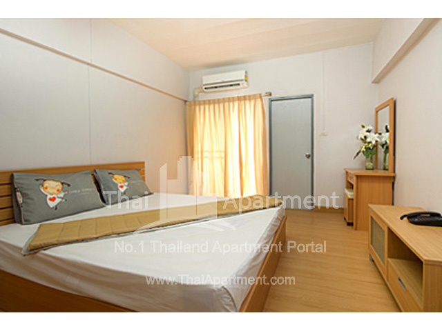 Crystal House Apartment image 5