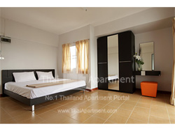 Crystal House Apartment image 7