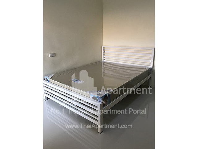 Amphorn Apartment image 5