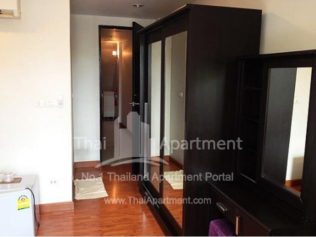B8 ROOMS Apartment image 2