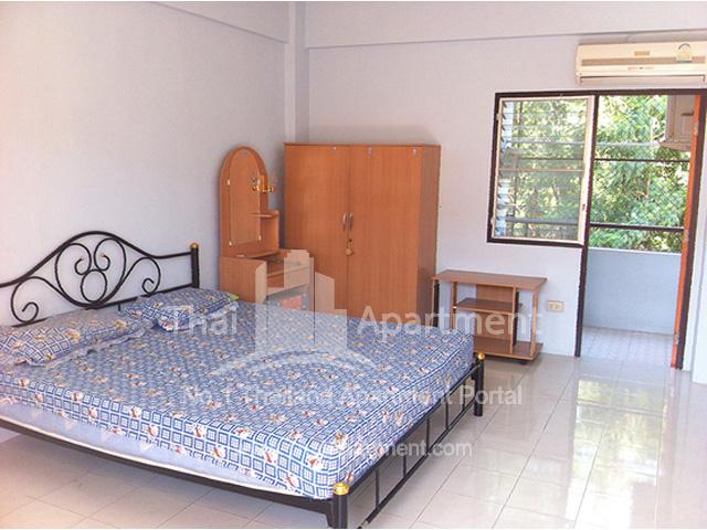 Petcharat Apartment image 3