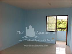 Petcharat Apartment image 4