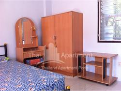 Petcharat Apartment image 5