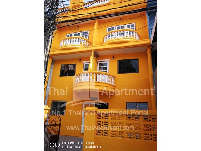 33 Apartment image 1