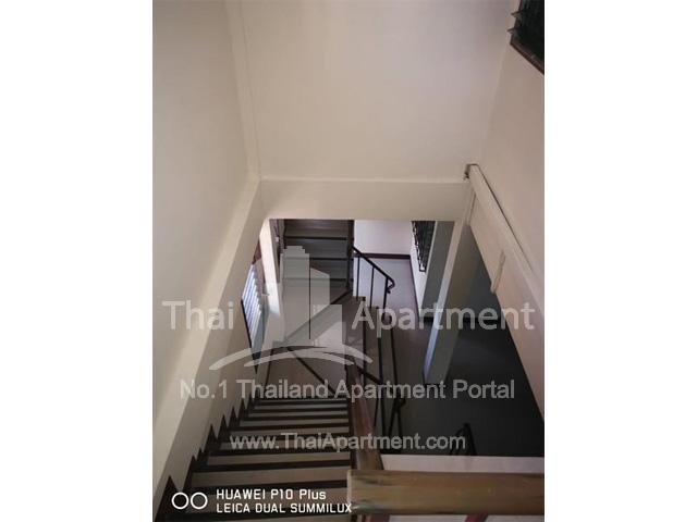 33 Apartment image 4