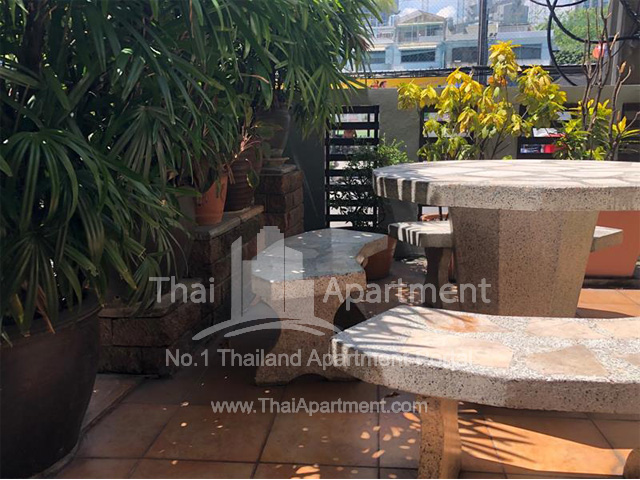 At Nonsi Apartment image 9